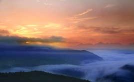 云山雾绕,湖岭掠影