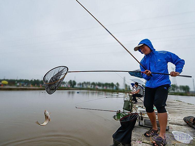 钓到鱼了-1.jpg