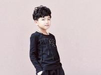 韩国小帅锅,小模特雪地靴拍摄