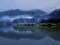 三十三溪上的晨雾